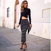 date outfit,long sleeves,black top,black crop top,pencil skirt,striped skirt,stripes,black skirt,black heels,strappy heels,black bag,skirt,shirt,midi skirt,stripped skirt