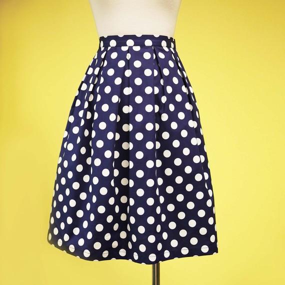 Snow white retro pleated skirt navy blue big by prototypedesign