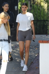 shoes,sofia richie,model off-duty,casual,celebrity,shoes black grunge flat,shorts