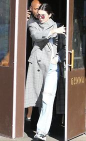 coat,jeans,kendall jenner,streetstyle,fall outfits,model off-duty,kardashians,sunglasses