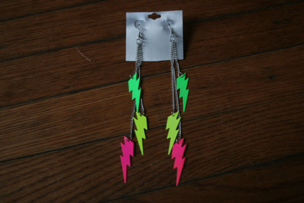 jewels 90s style earrings