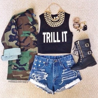 coat jewels shorts shirt crop tops black pink or black top quote on it tank top jacket printed jacket pattern armyjacket army green jacket army print print green forever 21 possible