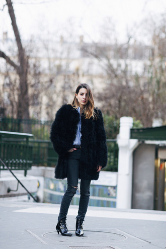 sarah co mode ton look blogger coat jeans belt fur coat