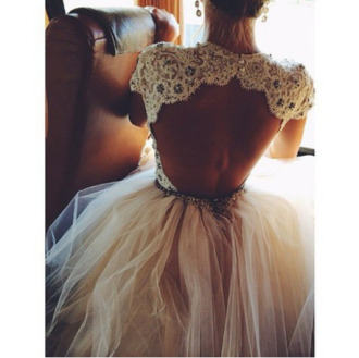 prom dress glitter open back prom dress dress lace dress beautiful backless prom dress bridesmaid cream opened back blouse wedding dress find it open back dress sequins tyll white dress lace wedding dresses backless dress white lace dress coat cream dress