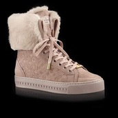 shoes,boots,beige,tan,nude,fur,louis vuitton