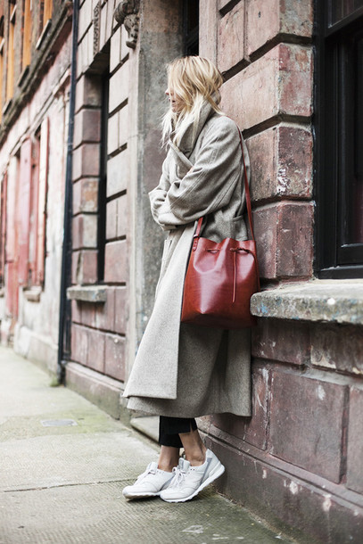 camille over the rainbow blogger bucket bag long coat white sneakers winter coat grey long coat brown bag