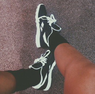 shoes rebok black and white