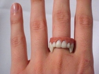 jewels ring teeth