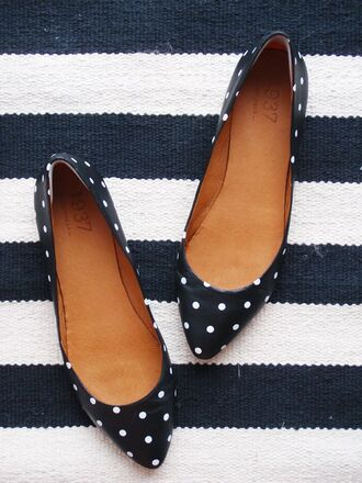 shoes polka dots flats black and white ballerina shoe white dots womens shoes pointy toe shoes ballet flats