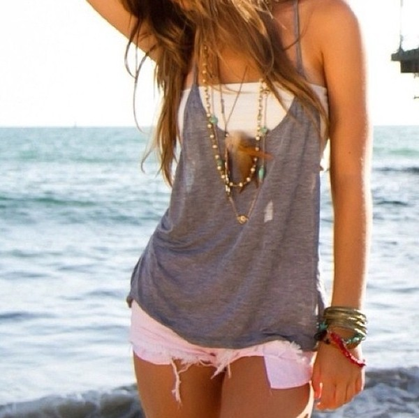 tank top clothes girly top singlet grey white shorts shirt jewels t-shirt beach hot summer grey feathers