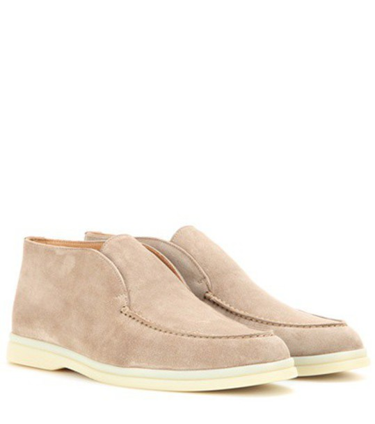 Loro Piana Polachino suede boots in beige / beige