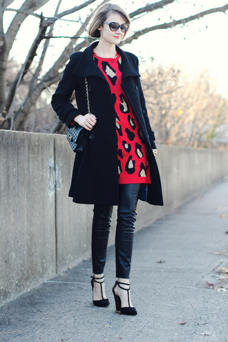 district of chic blogger sunglasses jewels sweater coat pants shoes bag