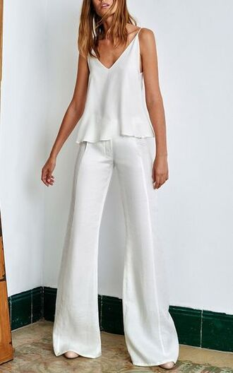 top cami top white top v neck pants palazzo pants wide-leg pants white pants all white everything