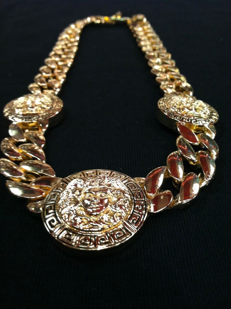 Ladies medusa versace/greek style 3 head gold tone necklace