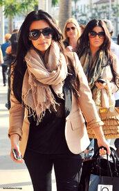 scarf,kim kardashian