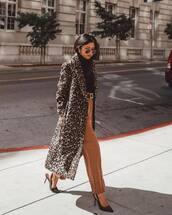 pants,wide-leg pants,high waisted pants,belt,black turtleneck top,leopard print,coat,pumps,slingbacks,sunglasses