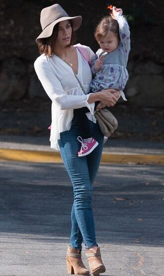 blouse denim boots skinny jeans jenna dewan hat fall outfits shoes