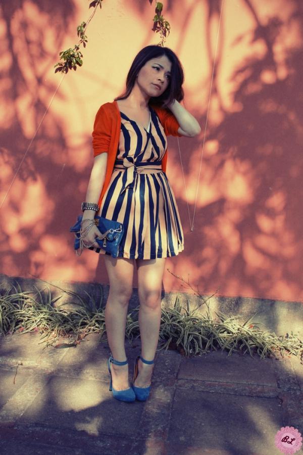 Striped Deep V-neckline Sleeveless Dress - OASAP.com
