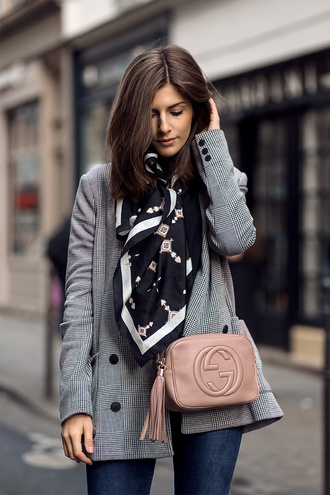 simple et chic blogger jacket bag scarf gucci gucci bag