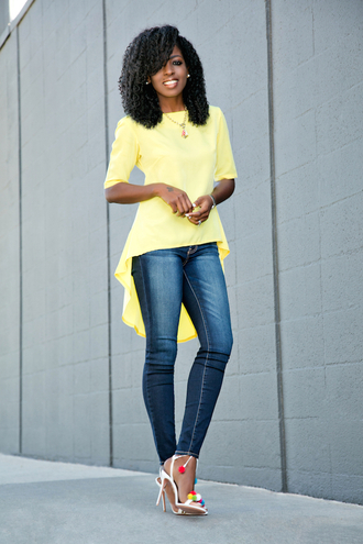 blogger jeans yellow top long top sandals sandal heels spring outfits