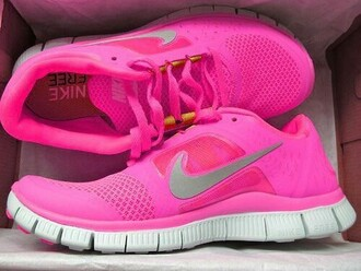 shoes pink nike nike shoes nike running shoes hot pink running shoes