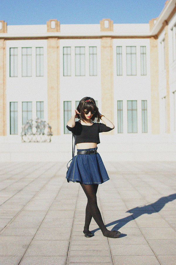 vintage shoes for her sunglasses t-shirt skirt bag