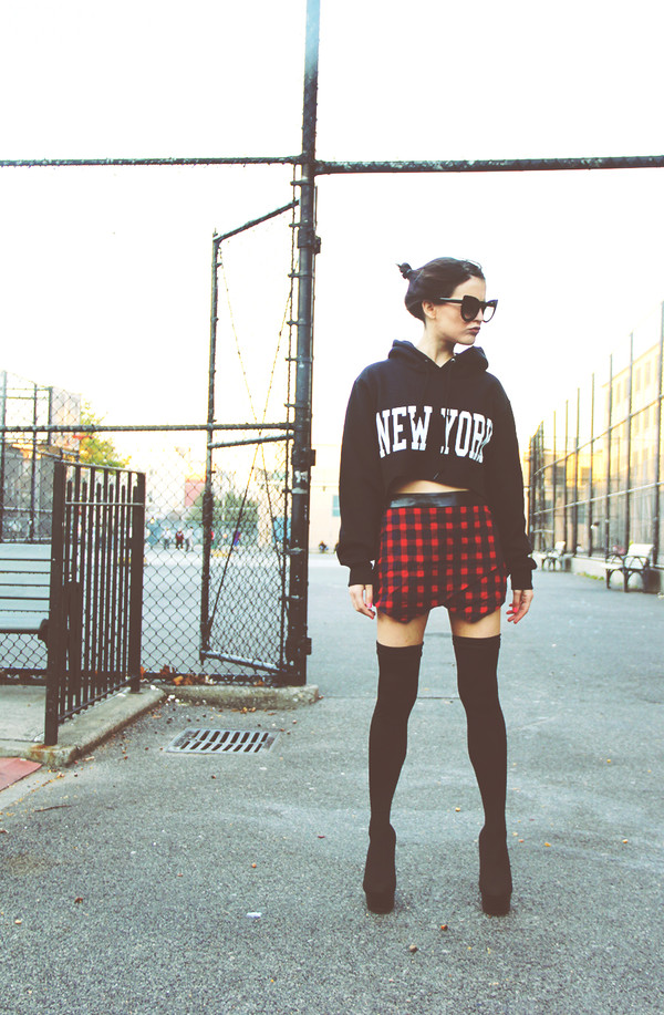 i hate blonde sweater skirt