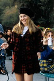 coat,cher horowitz,clueless,red tartan,tartan,90s style,beret,clothes,fashion,movies
