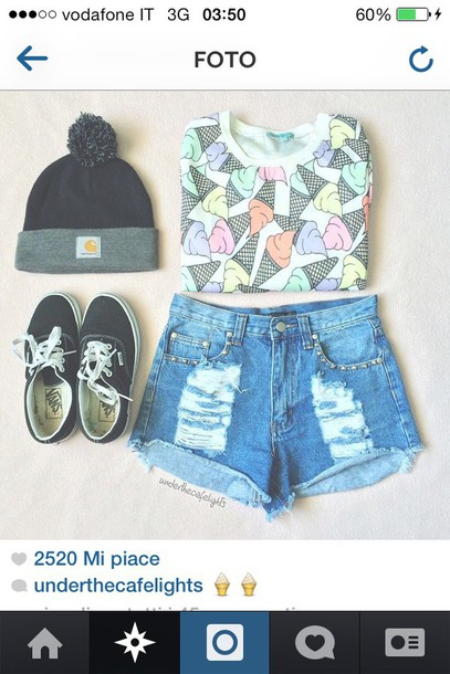 t-shirt ice cream t-shirt outfit outfit idea beanie jeans shirt pink