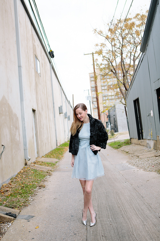 side smile style blogger dress blue dress light blue silver shoes fuzzy coat