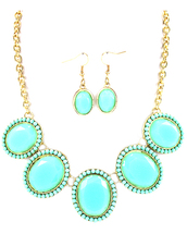 jewels,betsy boo's boutique,mint,gold,necklace and earrings set,matching set,jewelry set