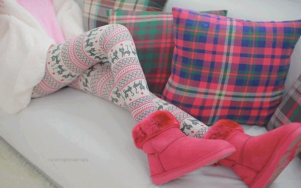 Ladies Pink Snowflake & Reindeer Fair-Isle Pattern Leggings ...