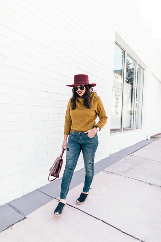 shoes tumblr mules black shoes sweater knit knitwear knitted sweater felt hat hat sunglasses denim jeans blue jeans
