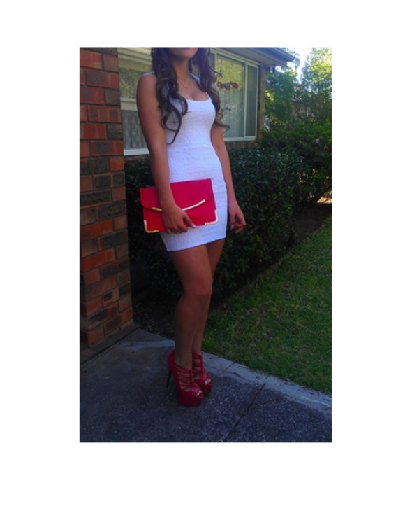 dress white pretty nice short tight body red purse shoes heels bag