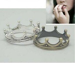 Amazon.com: JE091 Classical Ring, King Crown Ring, Stainless Jewelry, Bronze Silver Color Ring(2-RINGs Combo set!!!!): Beauty