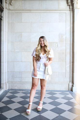 skirt denim skirt t-shirt platform sandals blogger blogger style crossbody bag