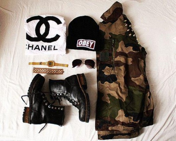 hat black t-shirt jacket shoes jewels blouse military style