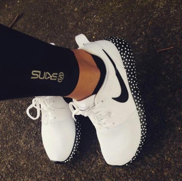 shoes nike shoes womens roshe runs nike running shoes nike shoes nike running shoes black and white nike free run polka dots