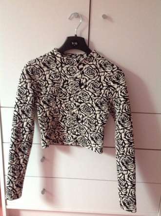 top crop top from h&m black and white crop tops long sleeves floral roses rose pattern
