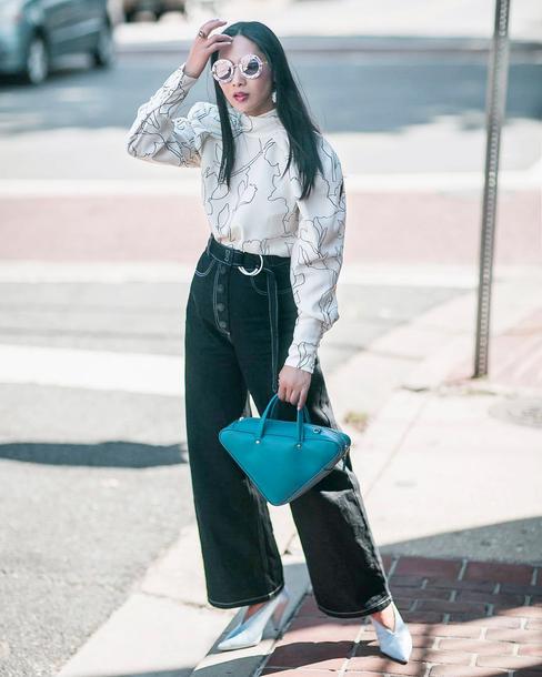 pants tumblr black pants wide-leg pants blouse white blouse bag blue bag sunglasses round sunglasses shoes slingbacks cropped pants
