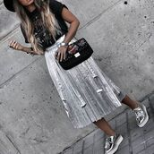 skirt,midi skirt,silver,silver skirt,pleated skirt,t-shirt,black t-shirt,graphic tee,tumblr,bag,black bag,printed bag,shoes,silver shoes