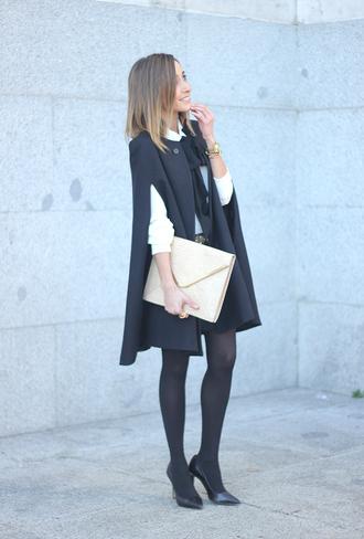 besugarandspice blogger shirt skirt cape pouch winter outfits