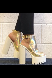 shoes,white,gold,gold high heels,white high heels,chunky sole,chunky heels,chunky boots,chunky,chunky shoes,chuncky heels