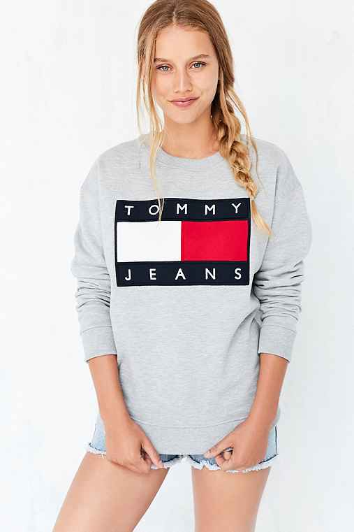 406335b4 Tommy Jeans For UO 90s Pullover Sweatshirt - Urban Outfitters