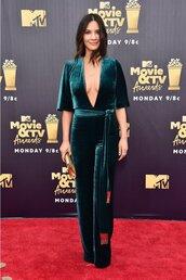 jumpsuit,velvet,green,red carpet,mtv movie awards,olivia munn,celebrity,plunge neckline