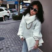 sweater,white,oversized,turtleneck