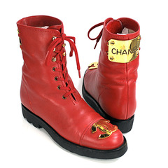 OMG CHANEL BOOTS !!!!!! on The Hunt