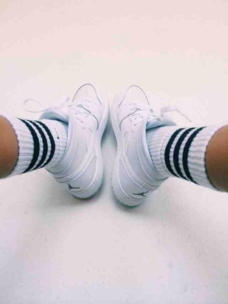 socks mens shoes black and white jordans madison beer shoes michael jorden style black logo sneakers white nike jordan