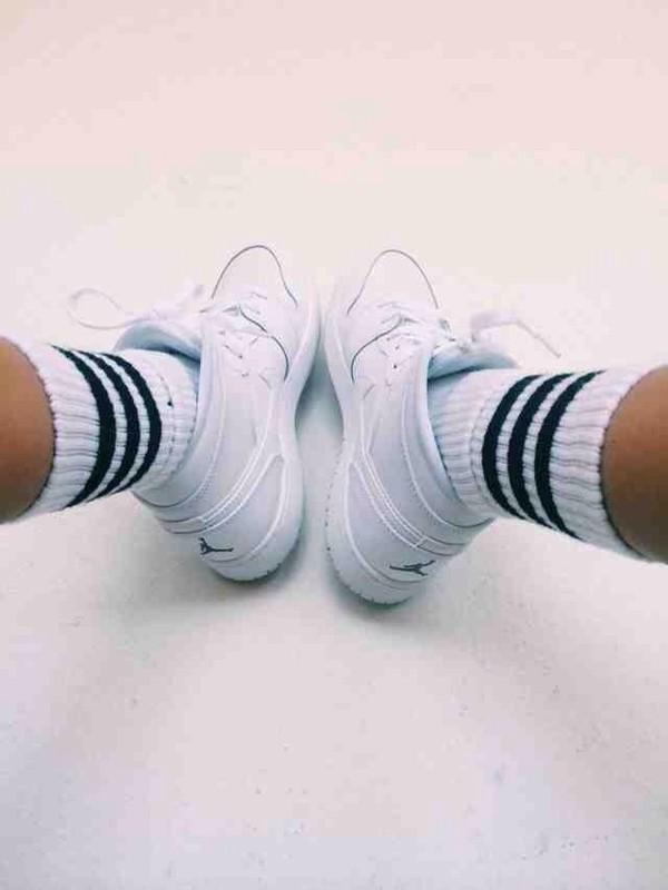 socks mens shoes black and white jordans madison beer shoes michael jorden style black logo sneakers white nike jordan