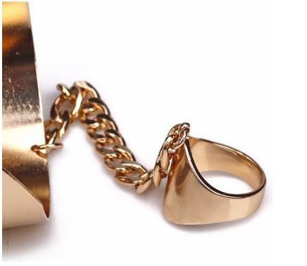 Clang bracelet